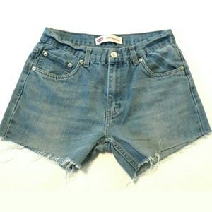Levi's 505 cut off shorts